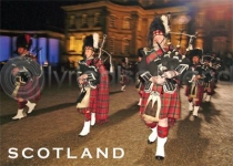 Scotland - Scottish Pipers Magnet (H LY)